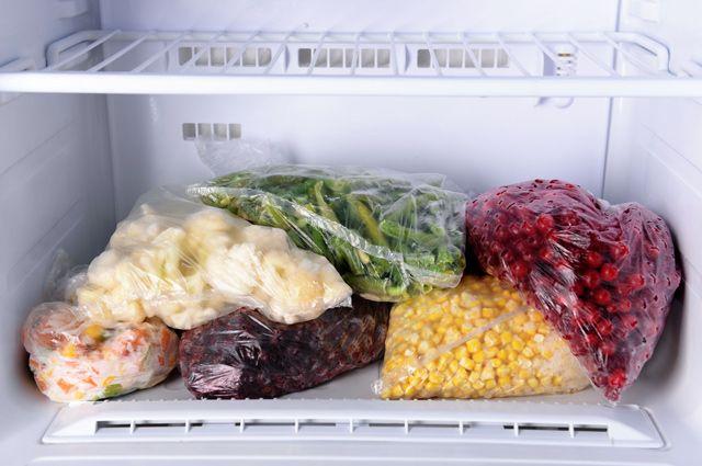 Полная морозильная камера холодильника