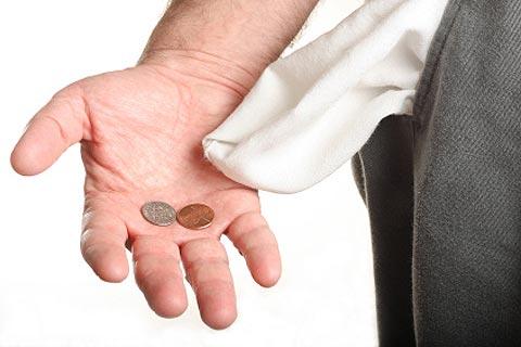 Мелкие железные монеты в кармане