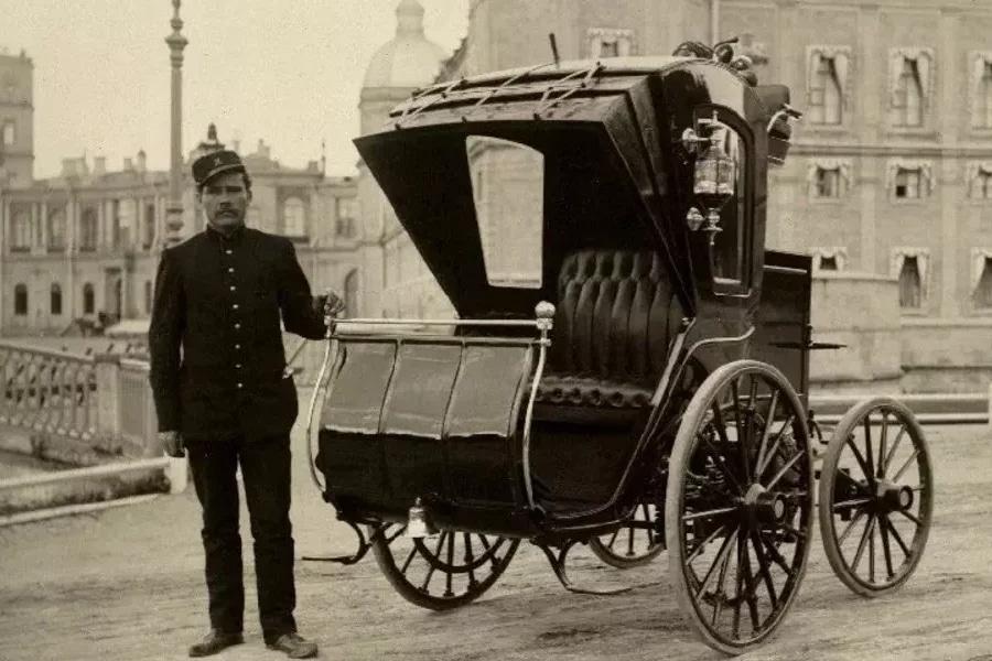 Первый электромобиль в России